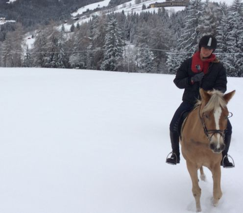 Im Winter Reiten - Hotel Post Tolderhof, Olang.